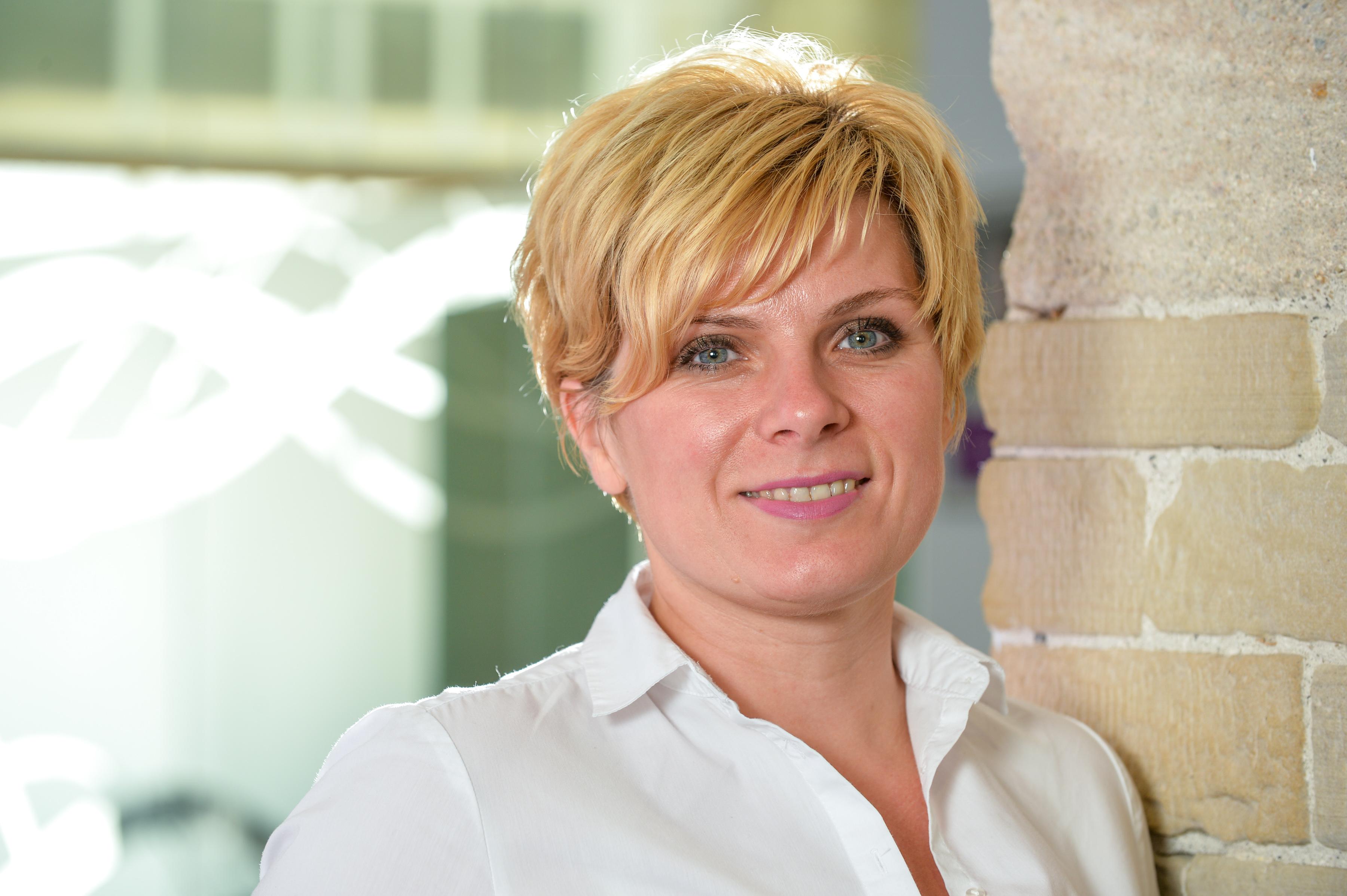 Anna Devine